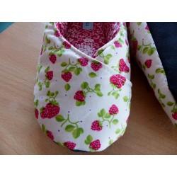 """Chaussons femme kimono T38 """"fraises"""""""